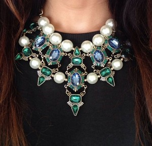 A-Statement-Necklace-from-Ikavee