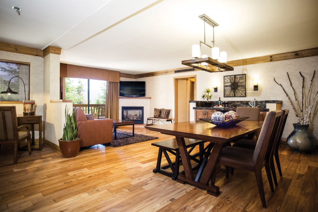 Tenaya-Lodge-Luxury-Suite-rm343