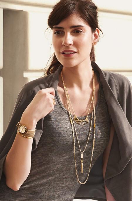 riad_layering_necklace_model