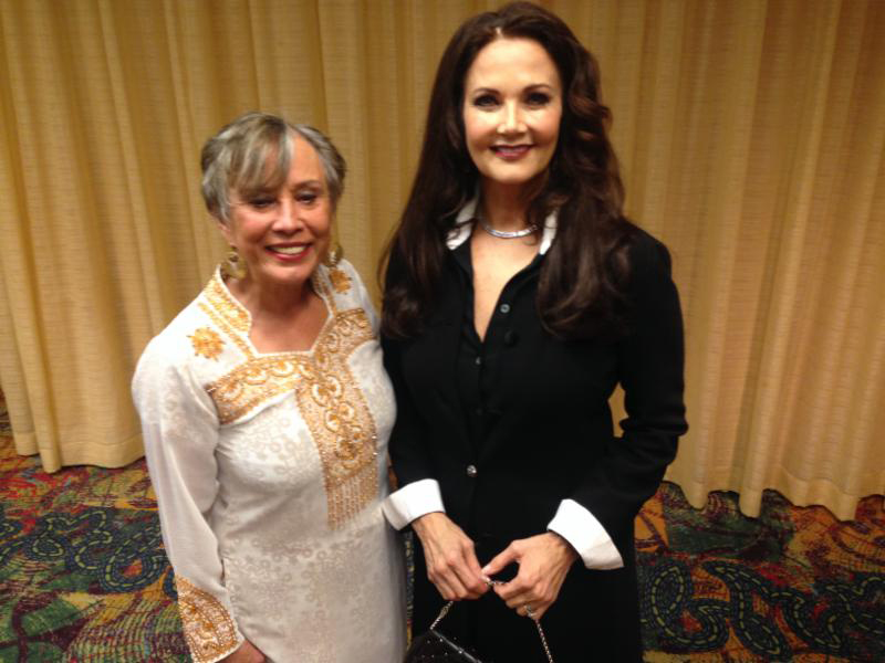 Juana and Lynda Carter at the Adelante Youth Conference where they both spoke on empowering Latino youth and young women. Image provided by Juana Bordas.